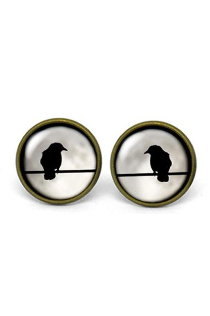 X741- Robin in Full Moon, Glass Dome Post Earrings